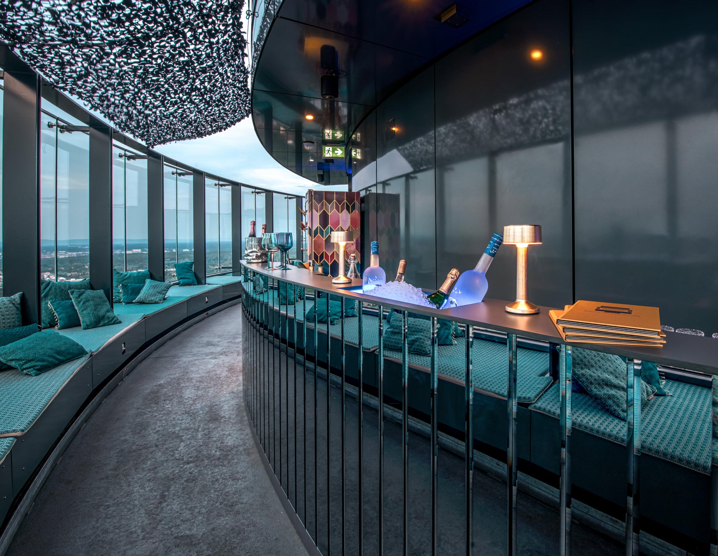 franziska rooftop bar 32