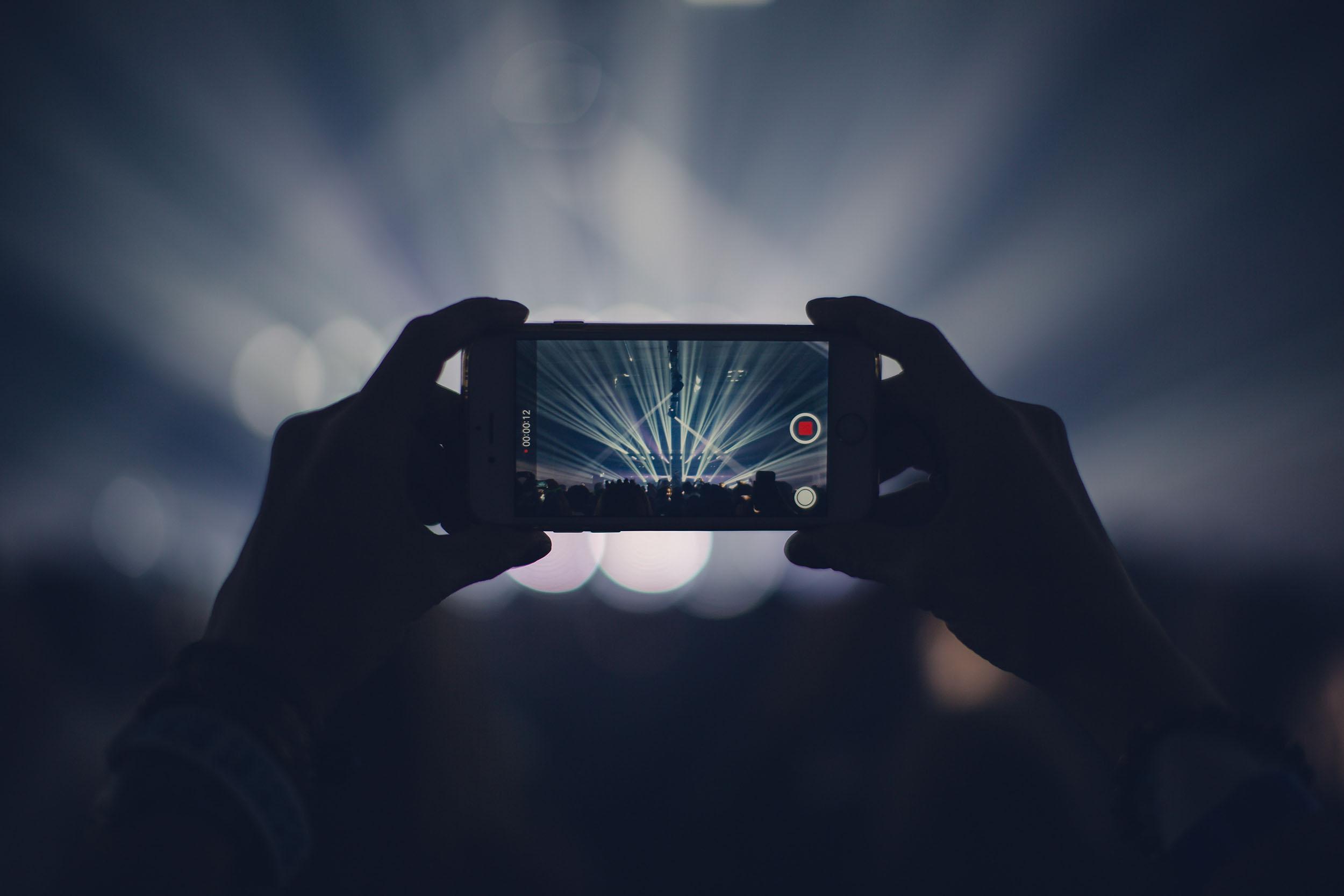 Sieben Möglichkeiten, iPhone Videos hochzuladen und zu teilen